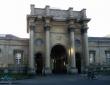 牛津大学健康科学院
